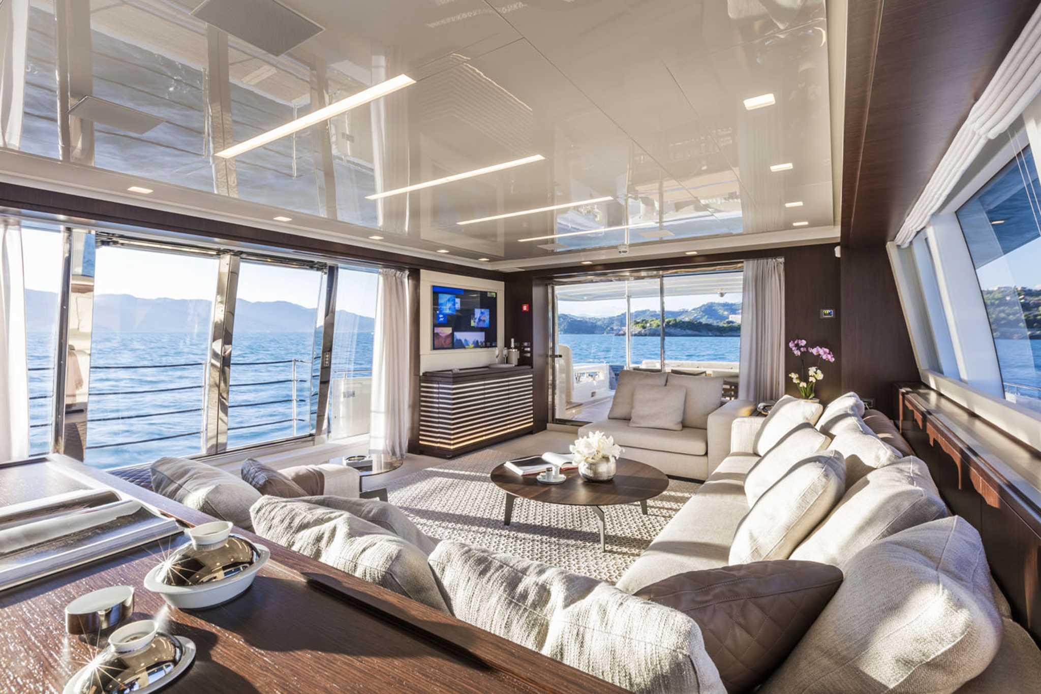 Superyacht Sunday Fantastic Ferretti 39 S Custom Line 108