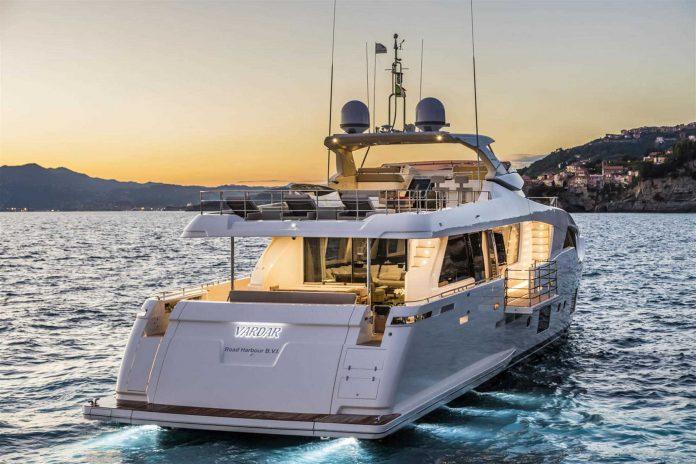Ferretti Custom Line 108 Yacht (7)