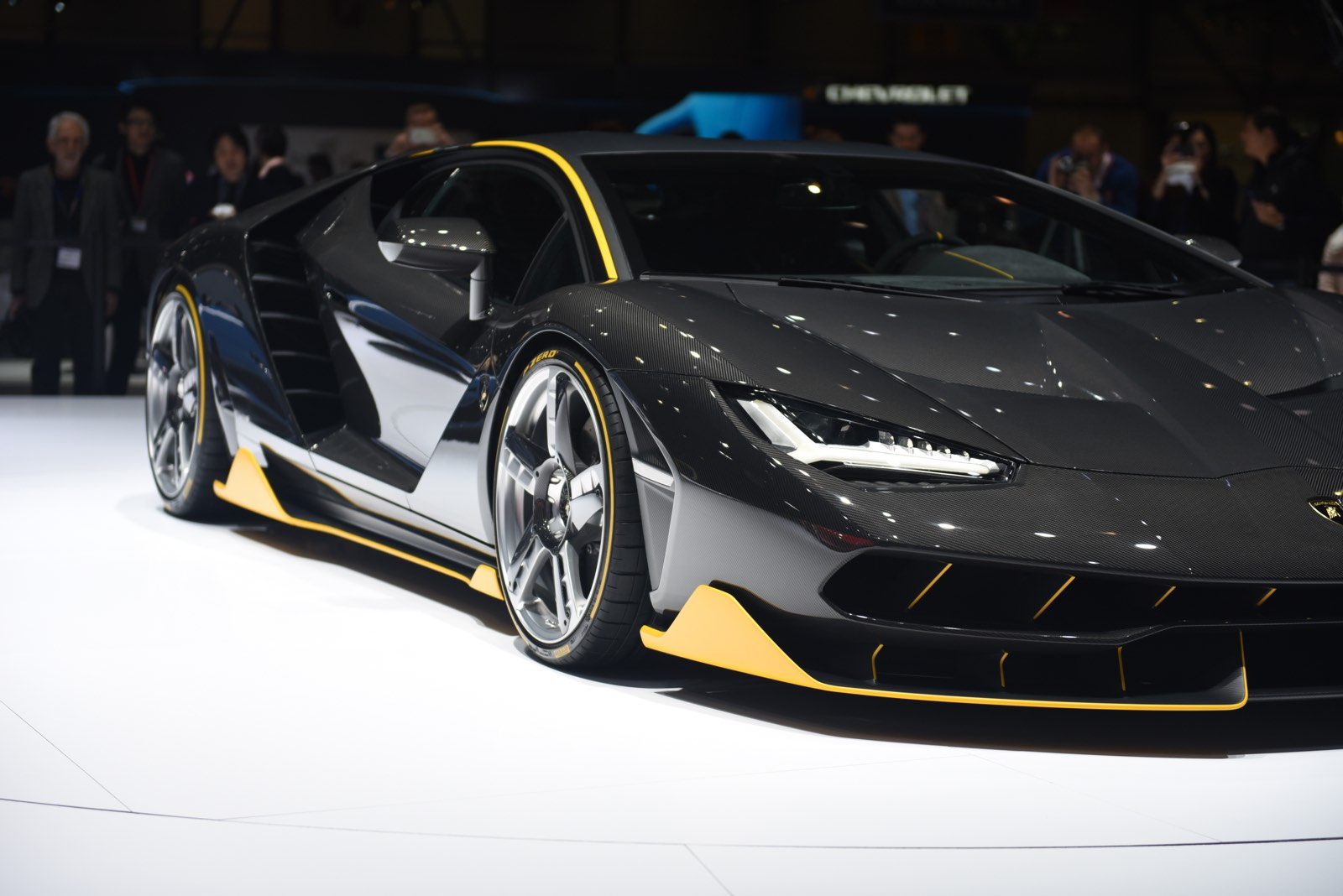 lamborghini centenario to make uk debut at salon prive. Black Bedroom Furniture Sets. Home Design Ideas