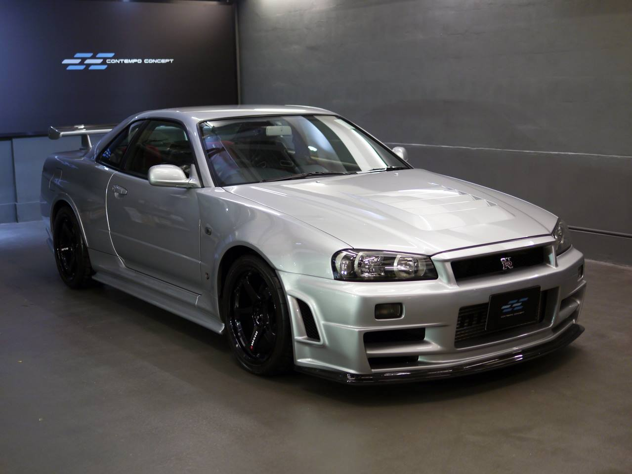 rare nissan skyline gt r nismo z tune for sale at 510 000. Black Bedroom Furniture Sets. Home Design Ideas