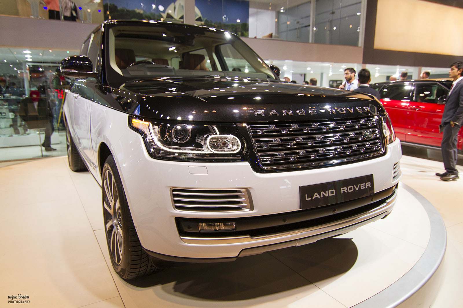 Range Rover SV Autobiography Delhi Auto Expo 2016 3