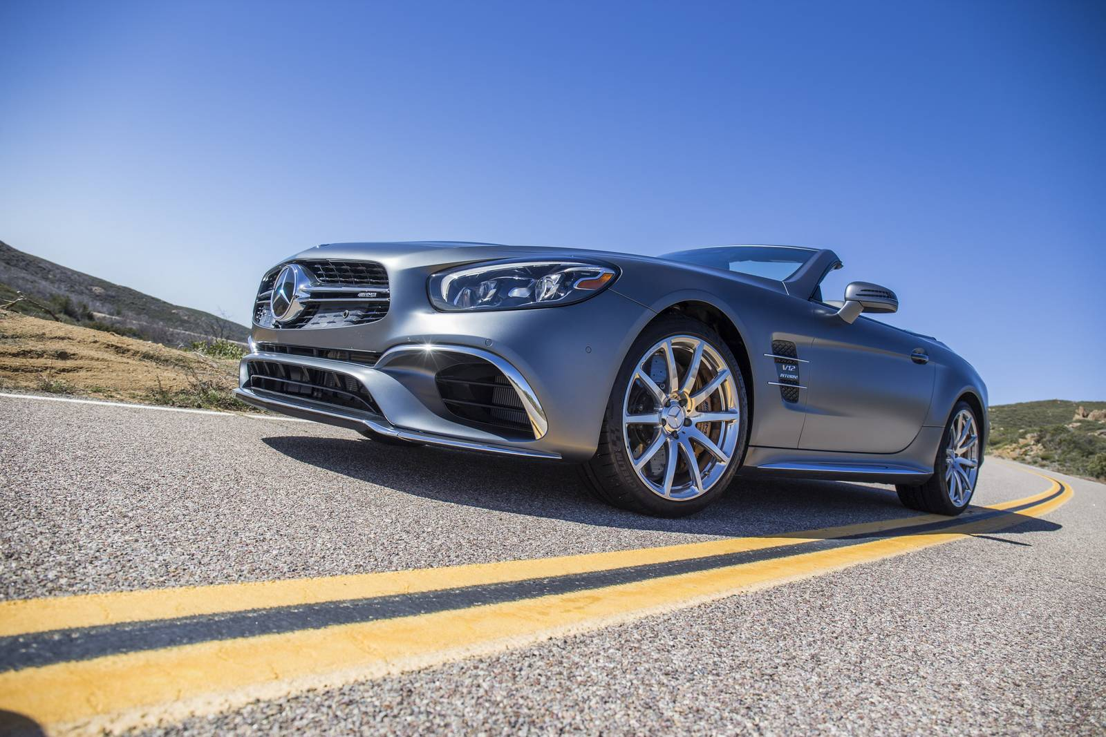 http://gtspirit.com/wp-content/uploads/2016/02/Selenit-Grey-Magno-Mercedes-AMG-SL-65-1.jpg