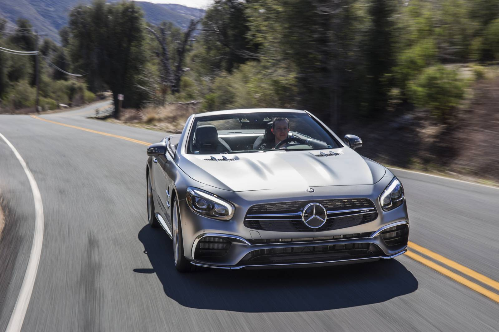 2017 Mercedes-Benz SL Review - GTspirit