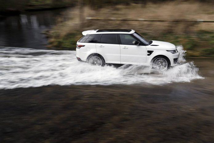White Range Rover Sport SVR (6)