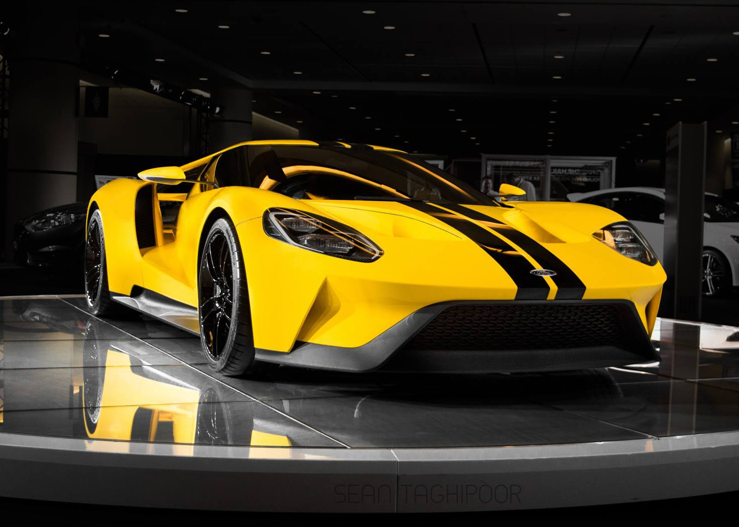 2017 Ford Gt Output 647hp 745nm And 216mph Top Speed