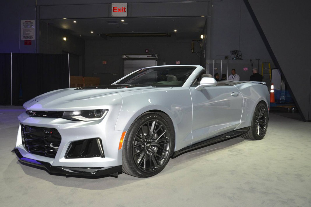 new york 2016 chevrolet camaro zl1 coupe and convertible gtspirit. Black Bedroom Furniture Sets. Home Design Ideas