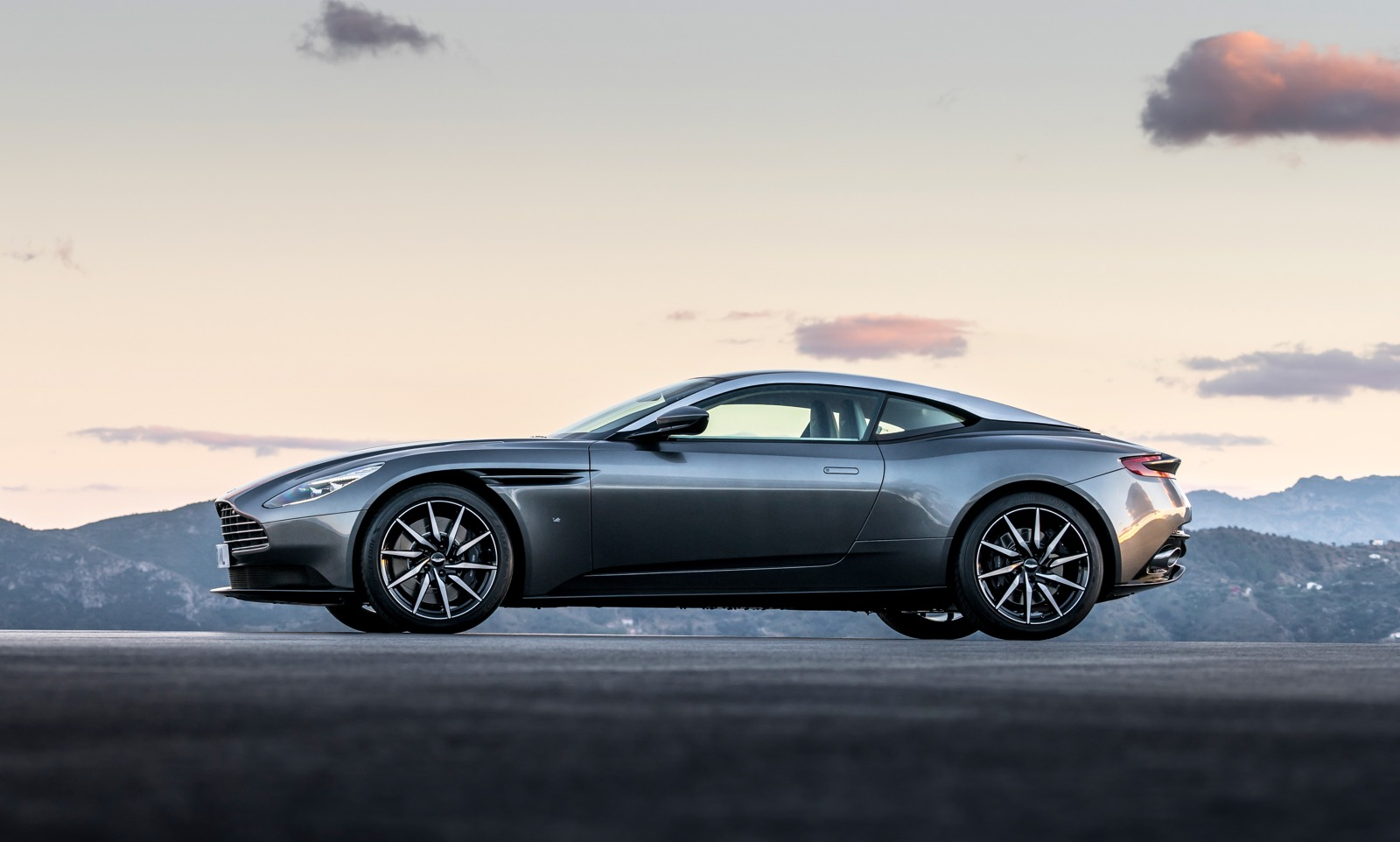 official 2017 aston martin db11 gtspirit. Black Bedroom Furniture Sets. Home Design Ideas
