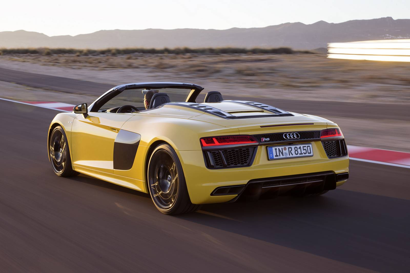 Official: 2017 Audi R8 Spyder