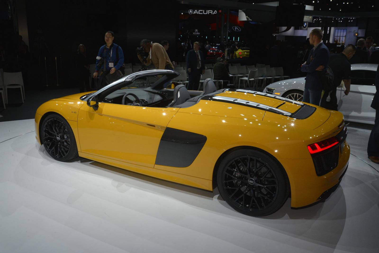 new york 2016 audi r8 spyder gtspirit. Black Bedroom Furniture Sets. Home Design Ideas