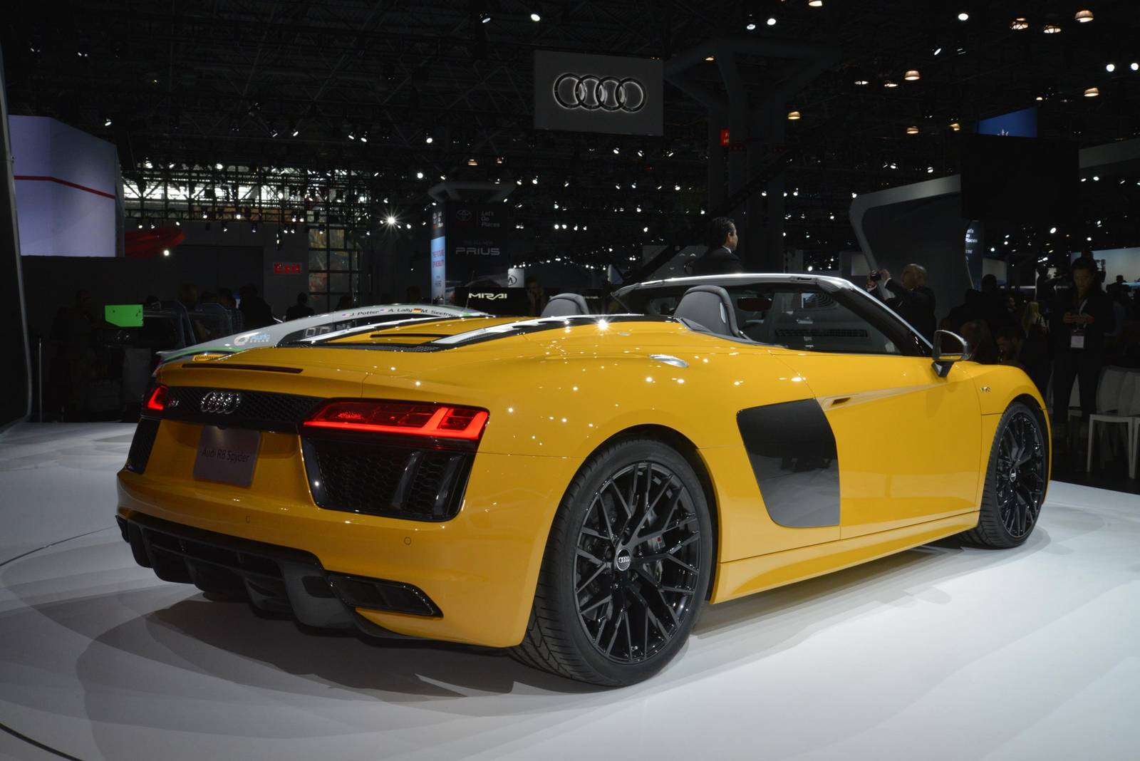 New York 2016: Audi R8 Spyder - GTspirit