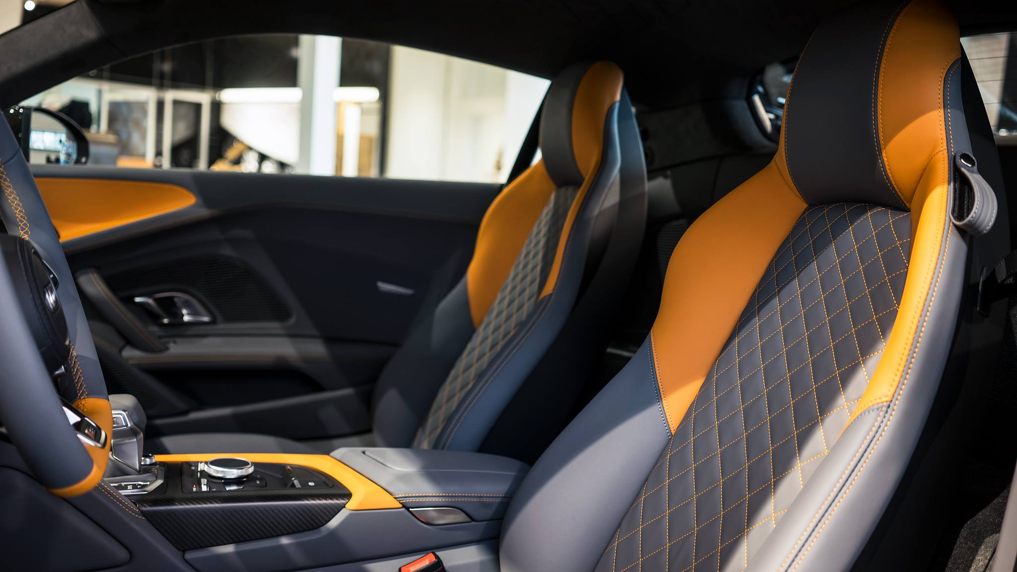 Orange Perleffekt Audi R8 V10 Plus by Audi Exclusive ...