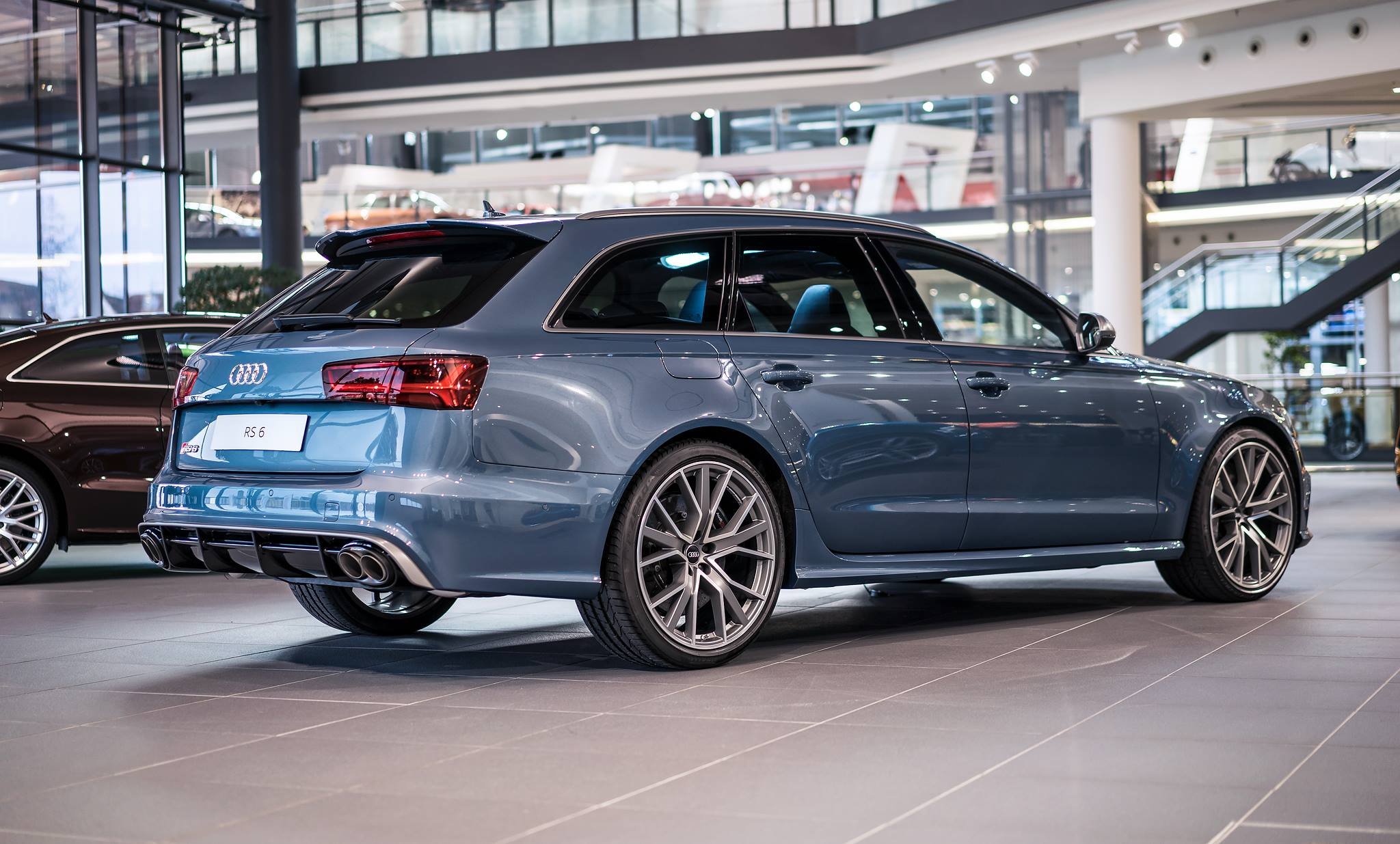 polar blue metallic audi rs6 performance by audi exclusive gtspirit. Black Bedroom Furniture Sets. Home Design Ideas