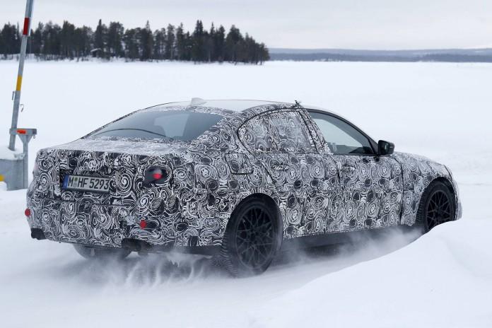 BMW M5 spy shot