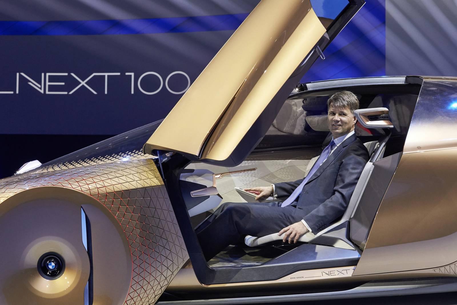http://gtspirit.com/wp-content/uploads/2016/03/BMW-Vision-Next-100-5.jpg