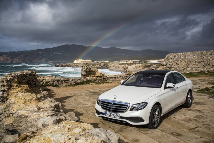 Diamond-trắng-Mercedes-Benz E350-e