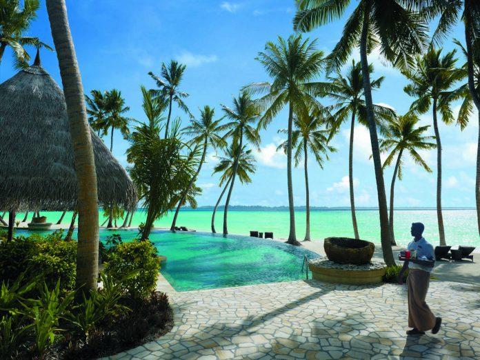 Shangri-La Villingili Maldives Pool