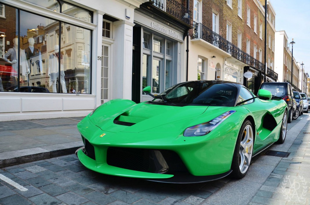 jay kay 39 s green ferrari laferrari in london gtspirit. Black Bedroom Furniture Sets. Home Design Ideas