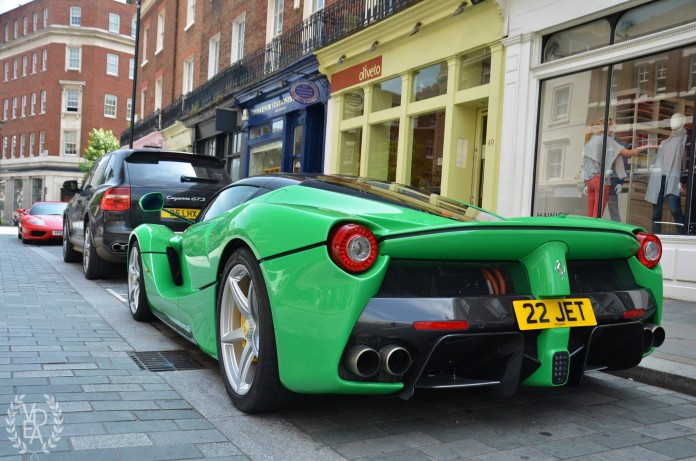 Green Ferrari LaFerrari (4)