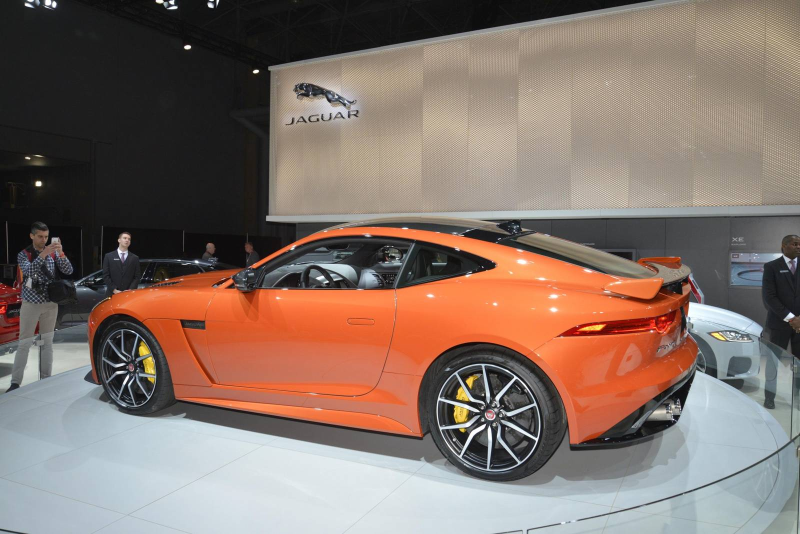 new york 2016 jaguar f type svr gtspirit. Black Bedroom Furniture Sets. Home Design Ideas