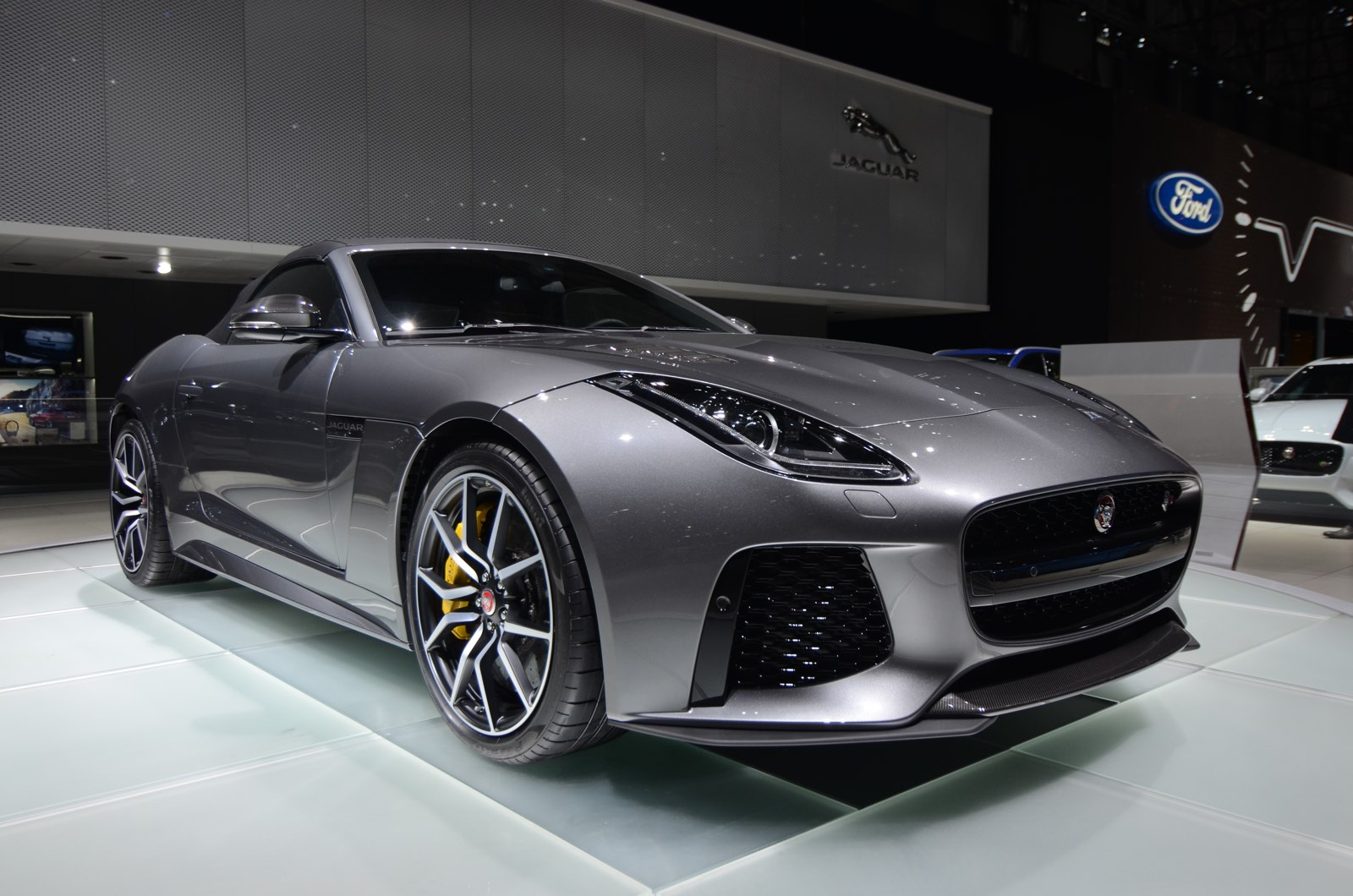 geneva 2016 jaguar f type svr gtspirit. Black Bedroom Furniture Sets. Home Design Ideas