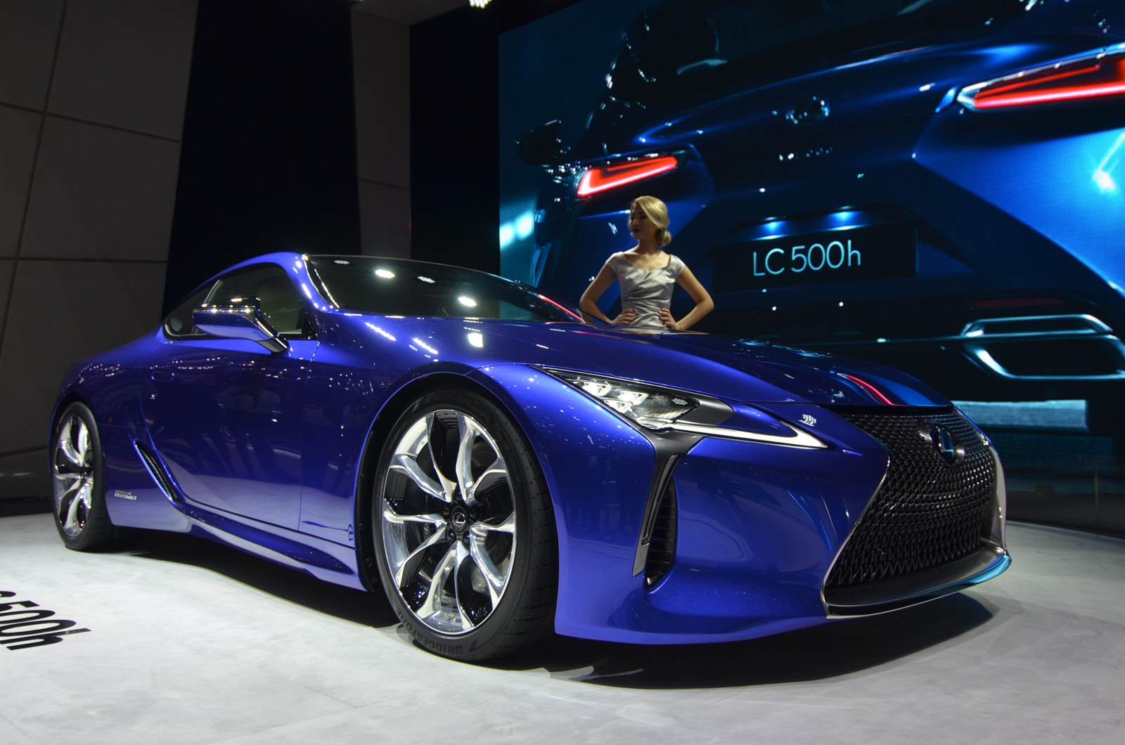 geneva 2016 lexus lc 500h gtspirit. Black Bedroom Furniture Sets. Home Design Ideas