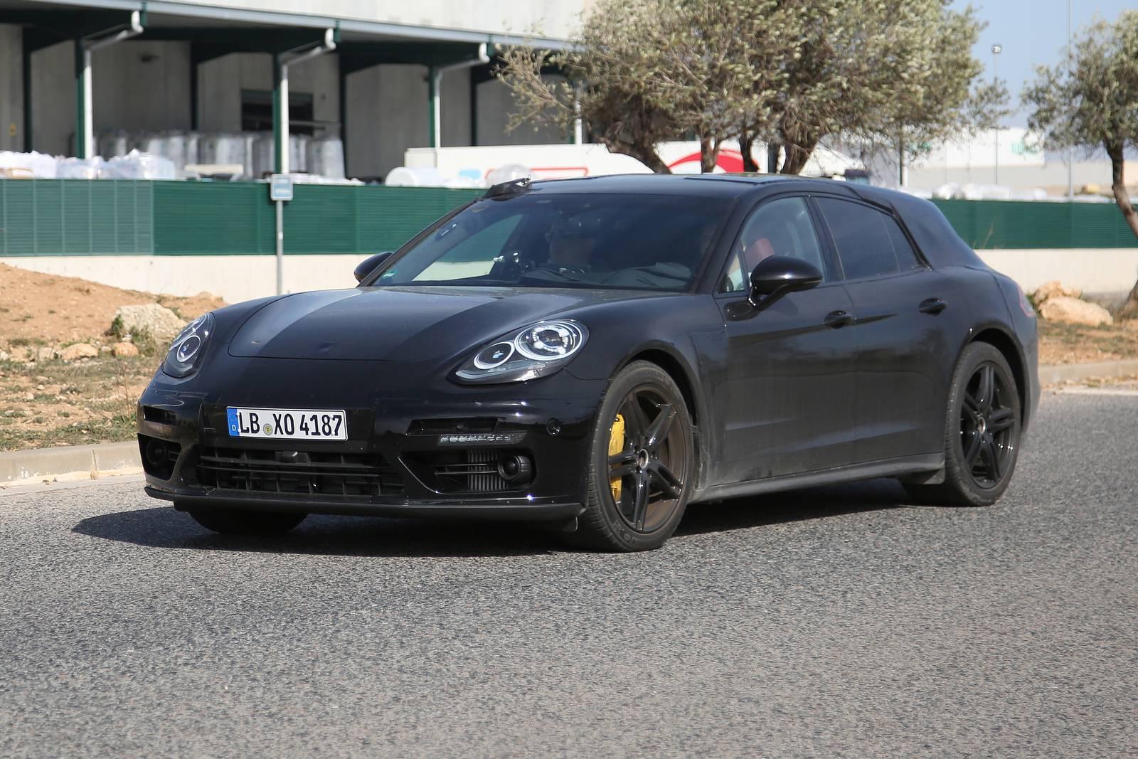 2018 porsche panamera shooting brake latest spy shots gtspirit -  Porsche Panamera Shooting Brake New Spy Shots Supercar