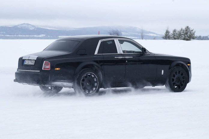 Rolls-Royce Culliman SUV test mule