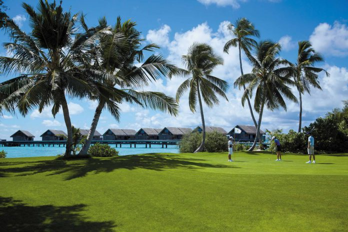 Shangri-La's Villingili Resort & Spa, Malediven_Golf course_water villas