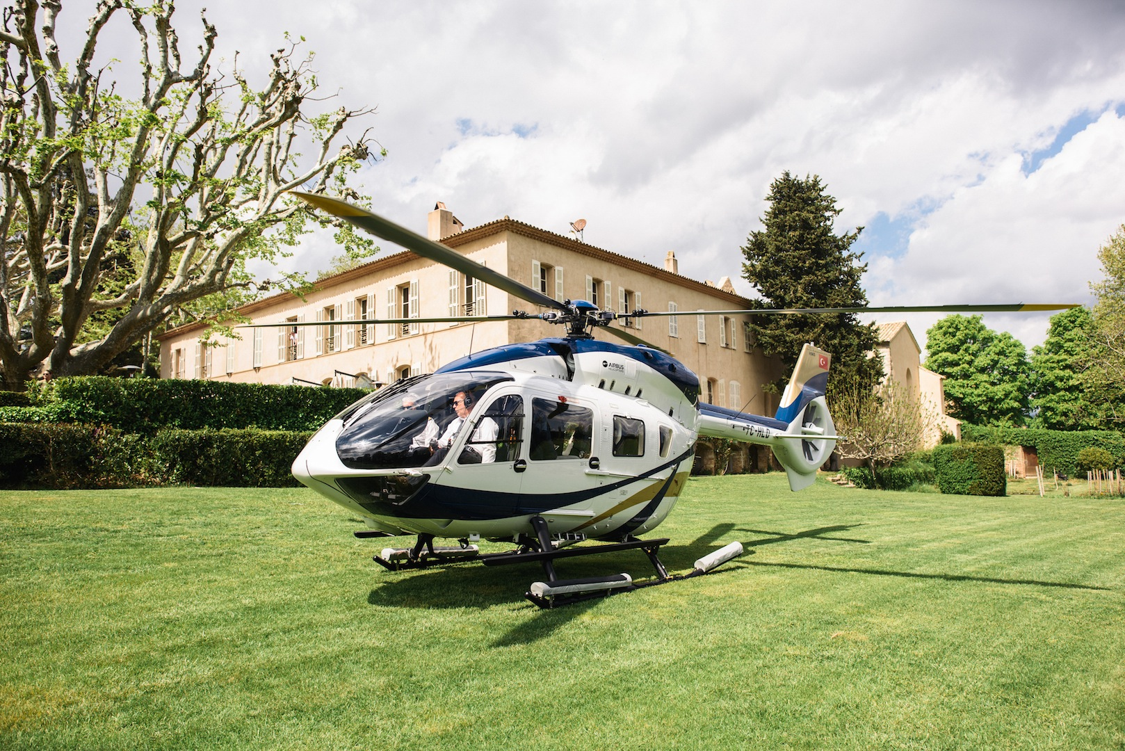 Elicottero H145 : Airbus helicopters h by mercedes benz style review