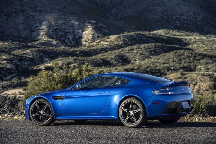 Aston Martin V8 Vantage GTS  (8)