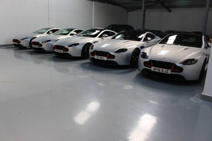 Aston Martin V8 Vantage S Blades Edition (9)