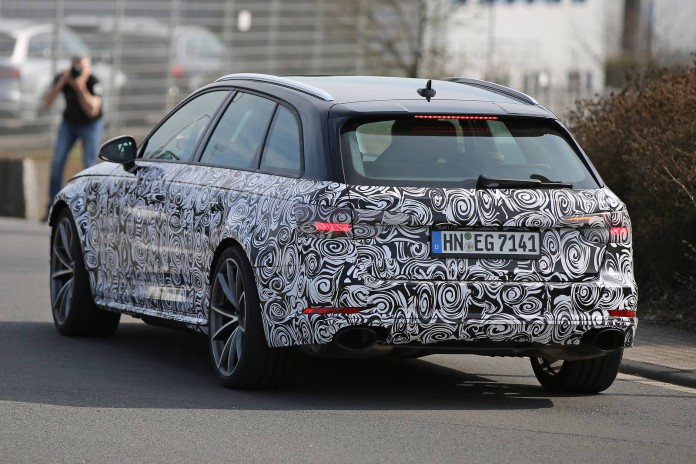 Audi RS4 Spy Shot