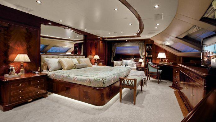 Benetti Crystal 140 Yacht (12)
