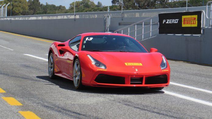 Ferrari 488 GTB Pirelli