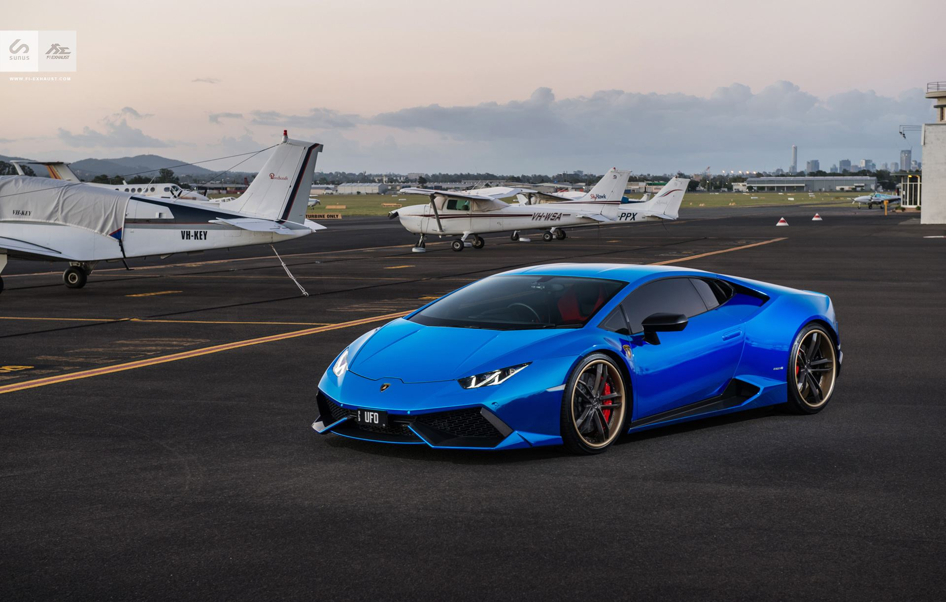Gold Lamborghini Wallpaper together with 115787 Lamborghini Unveils Luxury Android Phone And Tablet as well Stunning Blue Chrome Lamborghini Huracan Sunus Motorsport also Stunning Blue Chrome Lamborghini Huracan Sunus Motorsport in addition Lamborghini Veneno All 3. on solid gold lamborghini huracan