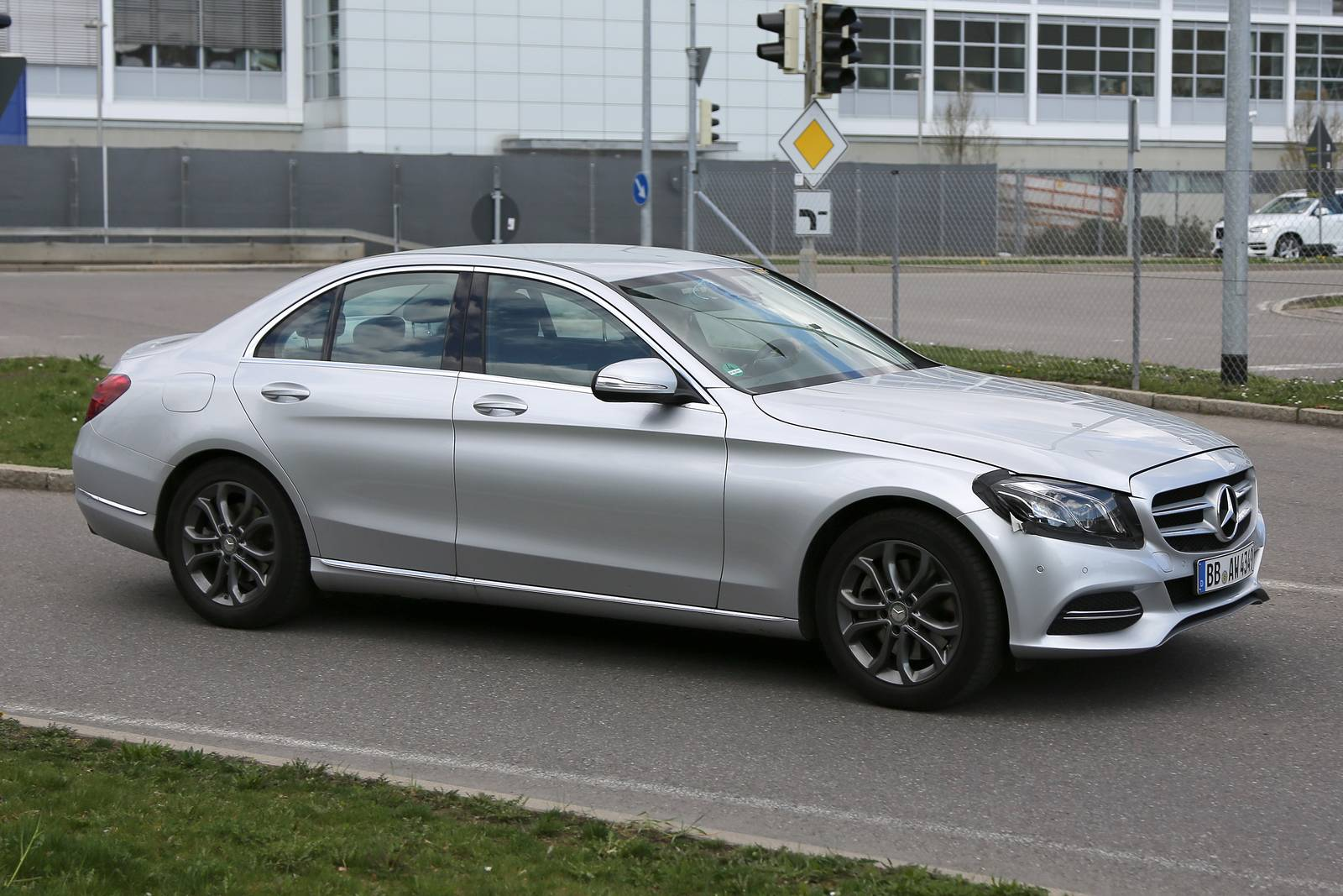 2018 mercedes benz c class facelift spy shots gtspirit for Benz mercedes c class