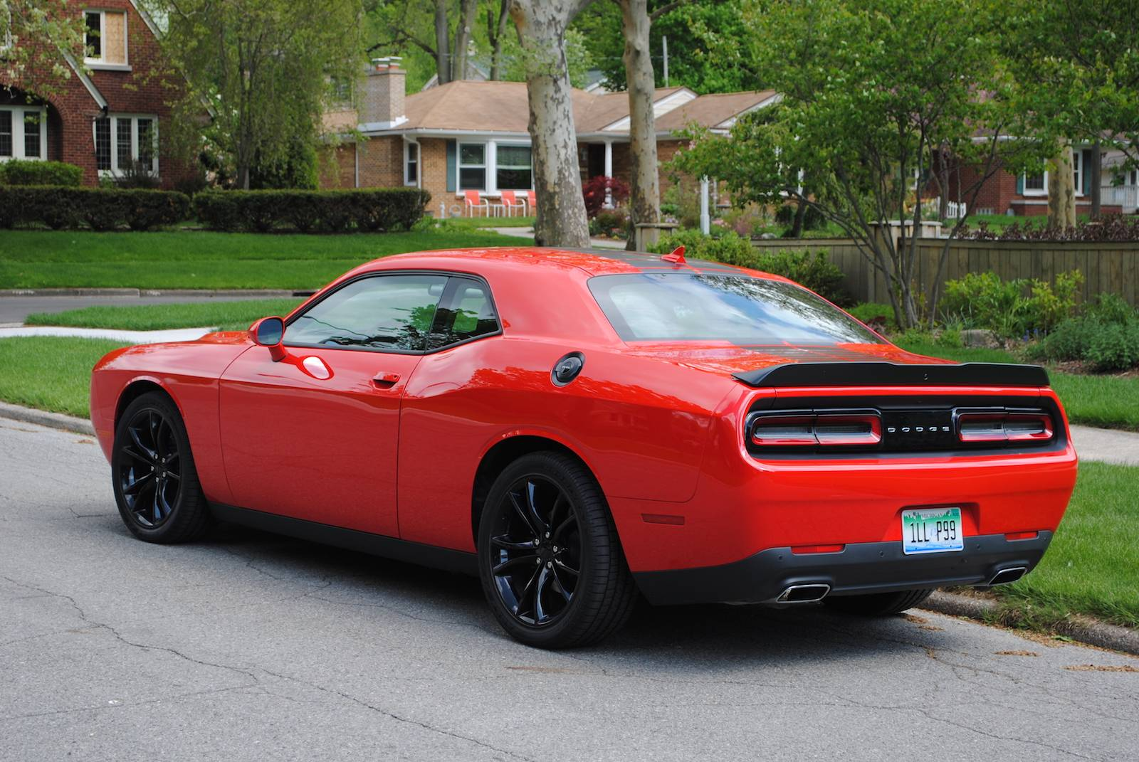 dodge challenger blacktop review autos post. Black Bedroom Furniture Sets. Home Design Ideas