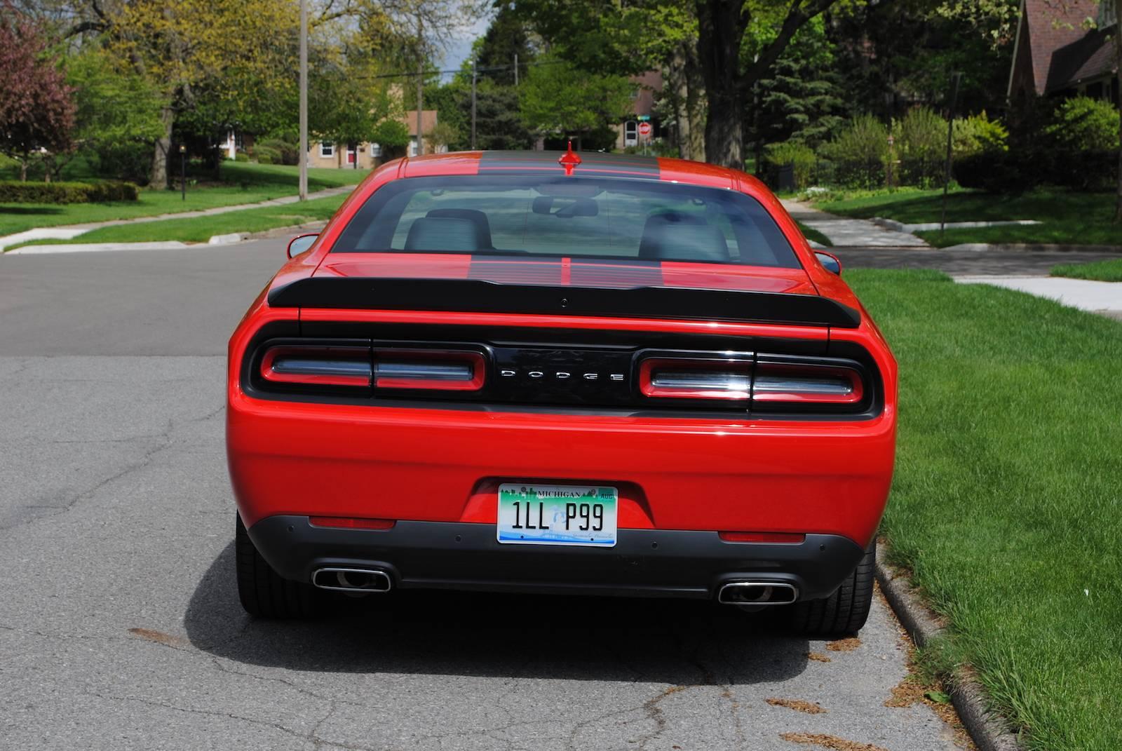 2016 Dodge Challenger Sxt Plus >> 2016 Dodge Challenger SXT Plus Review - GTspirit