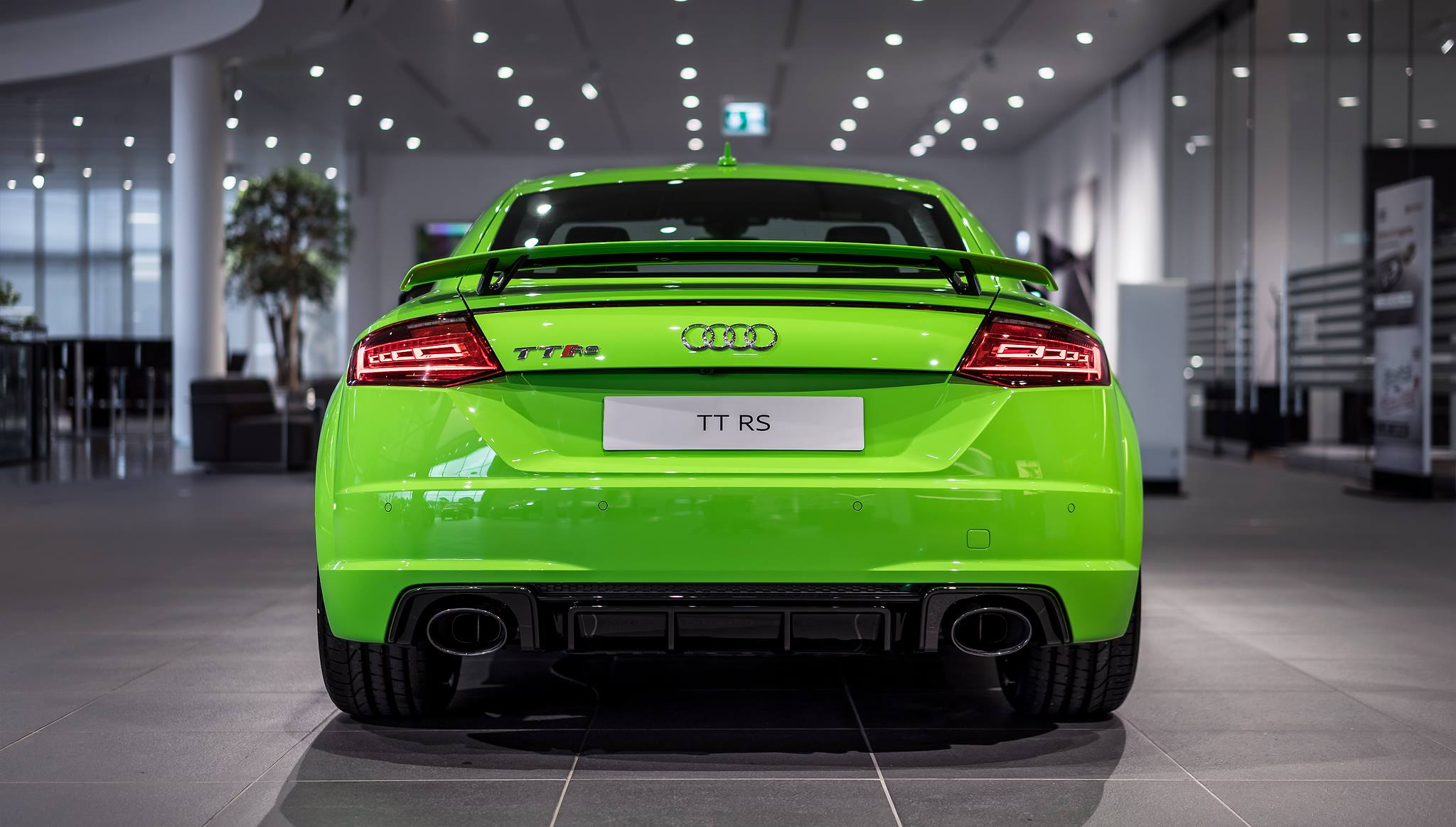 lime green 2017 audi tt rs at audi forum neckarsulm gtspirit. Black Bedroom Furniture Sets. Home Design Ideas
