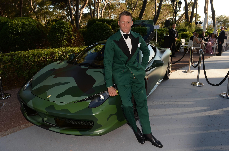Camo Ferrari 458 Italia Sells For 1 1 Million At Aids Auction Gtspirit