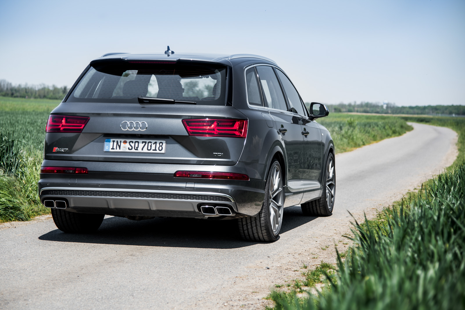 2017 Audi SQ7 TDI Review - GTspirit