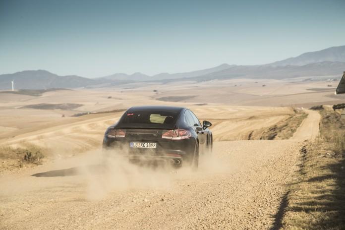 GTspirit Porsche Panamera 971 Photo13