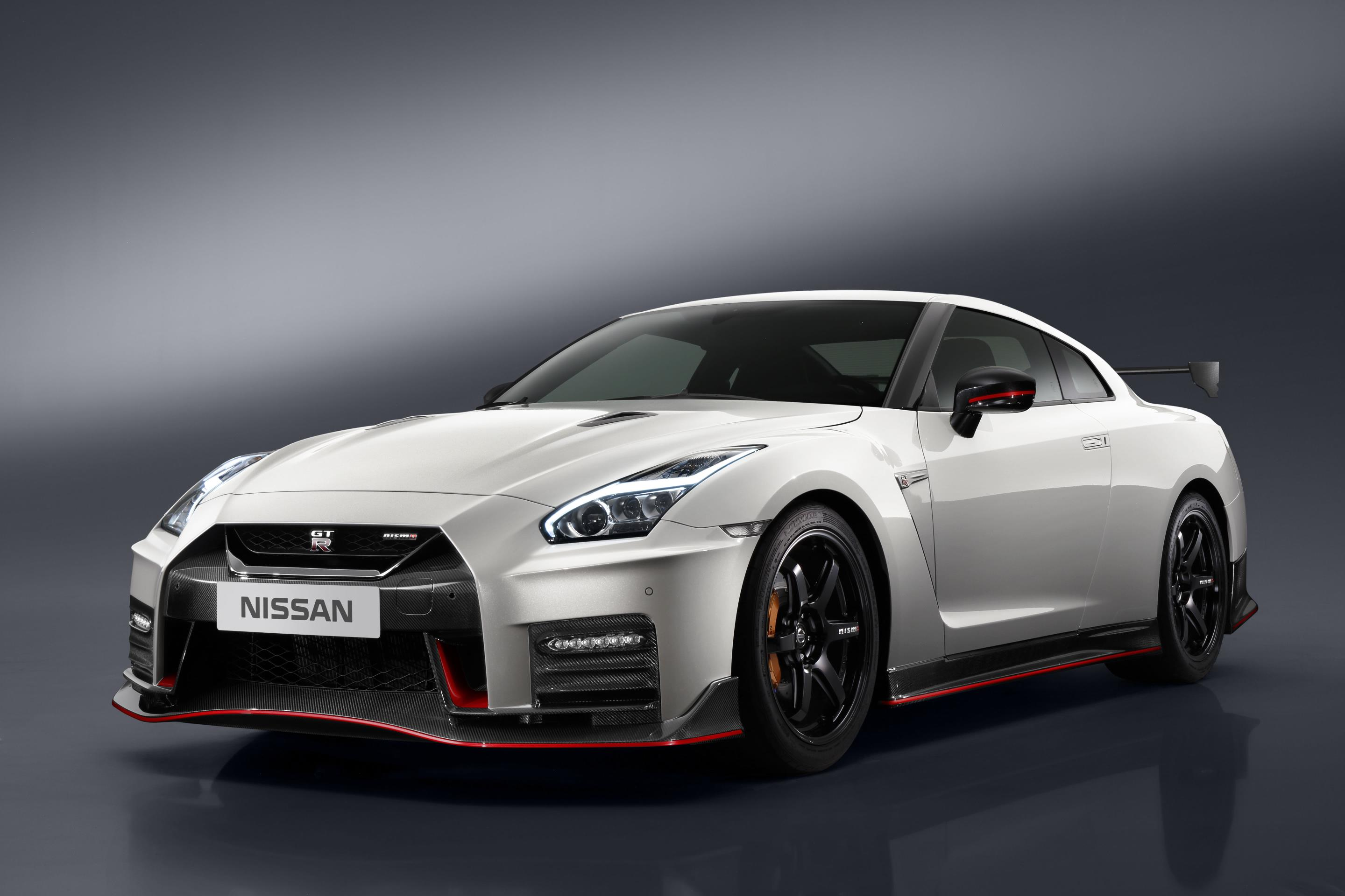2017 nissan gt r nismo priced from 174 990 in the us gtspirit. Black Bedroom Furniture Sets. Home Design Ideas