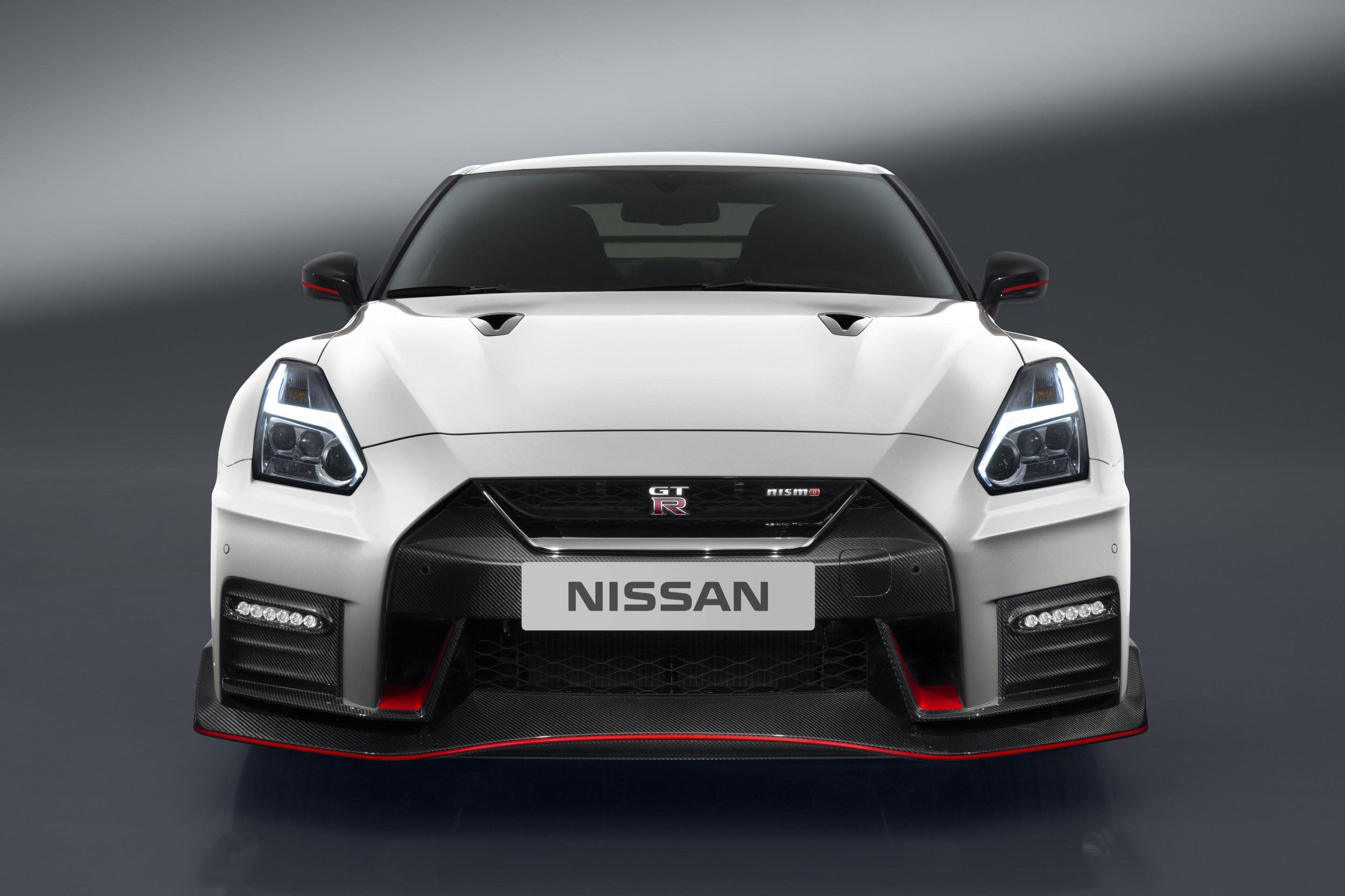 official 2017 nissan gt r nismo gtspirit. Black Bedroom Furniture Sets. Home Design Ideas