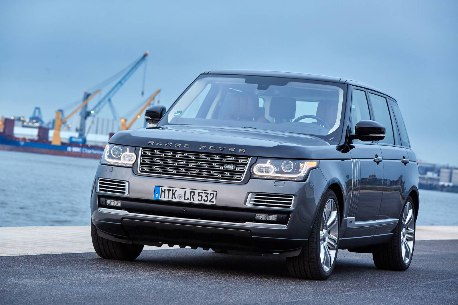 2016 range rover svautobiography review gtspirit. Black Bedroom Furniture Sets. Home Design Ideas