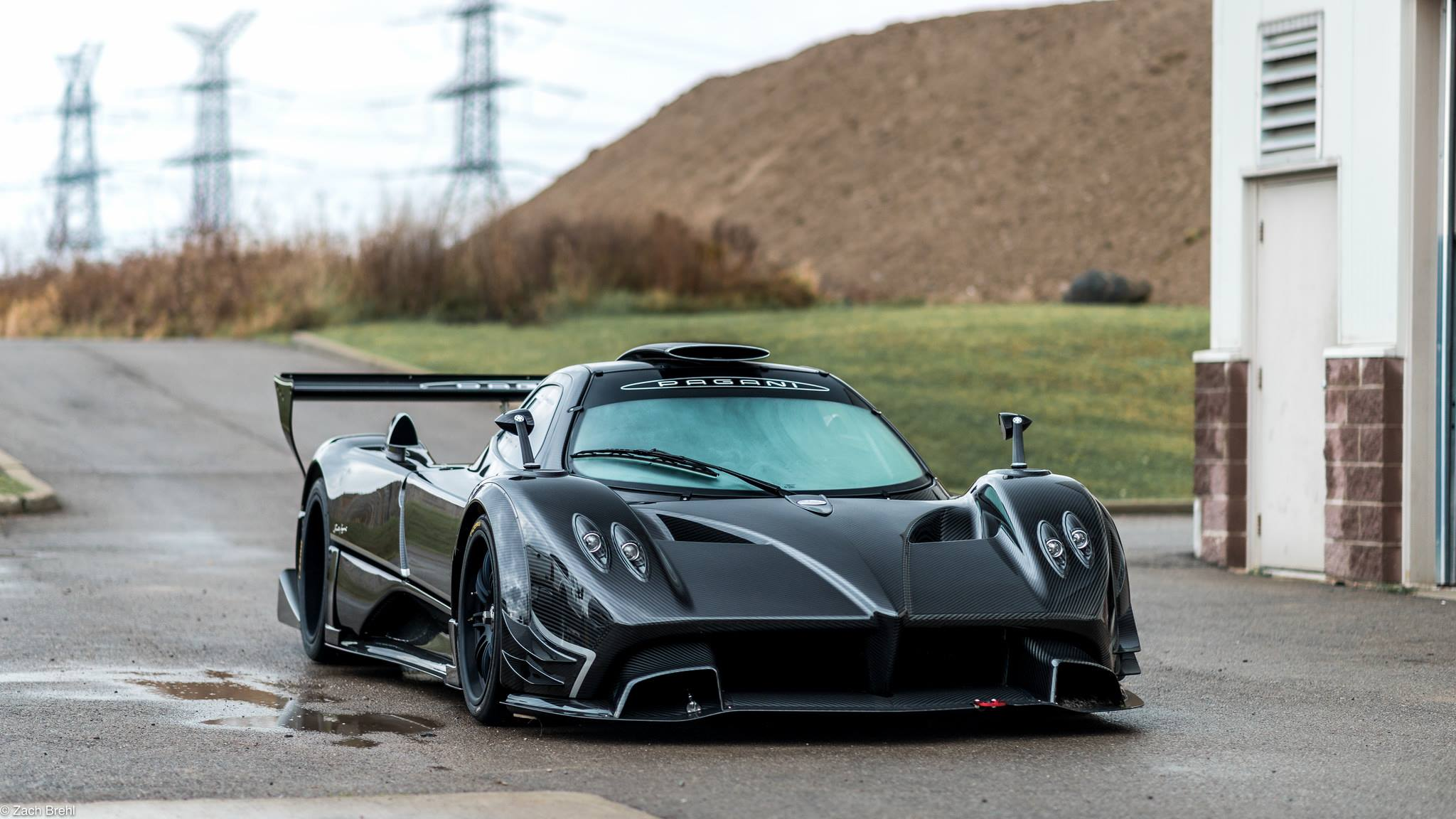 pagani zonda r and mclaren p1 gtr to rock ultracar 39 s paul ricard showdown gtspirit. Black Bedroom Furniture Sets. Home Design Ideas