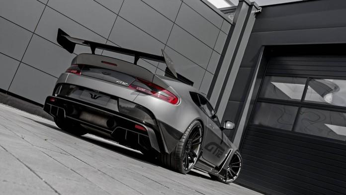 Aston Martin Vantage GT12 (10)