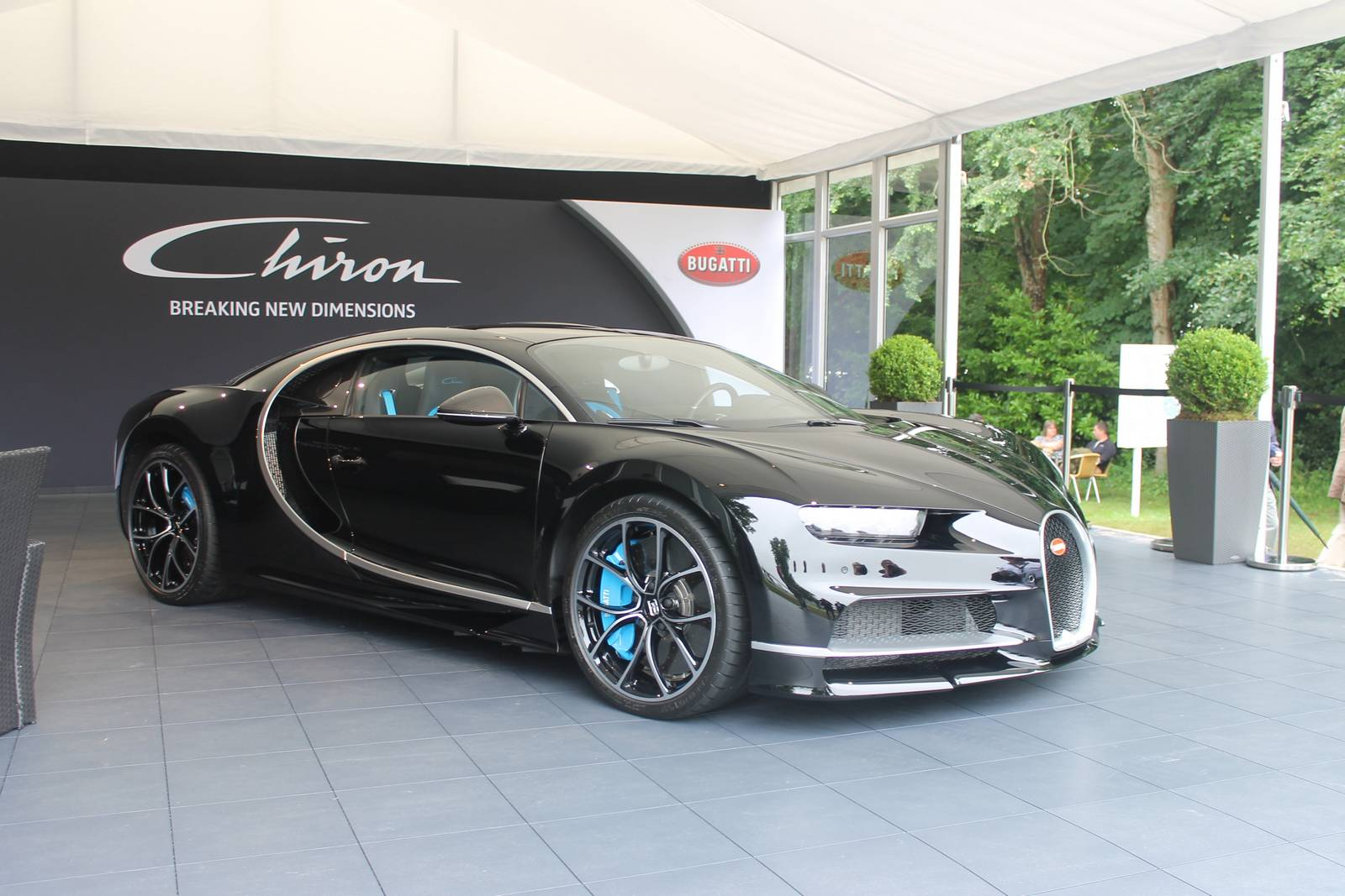 bugatti chiron black edition - photo #2