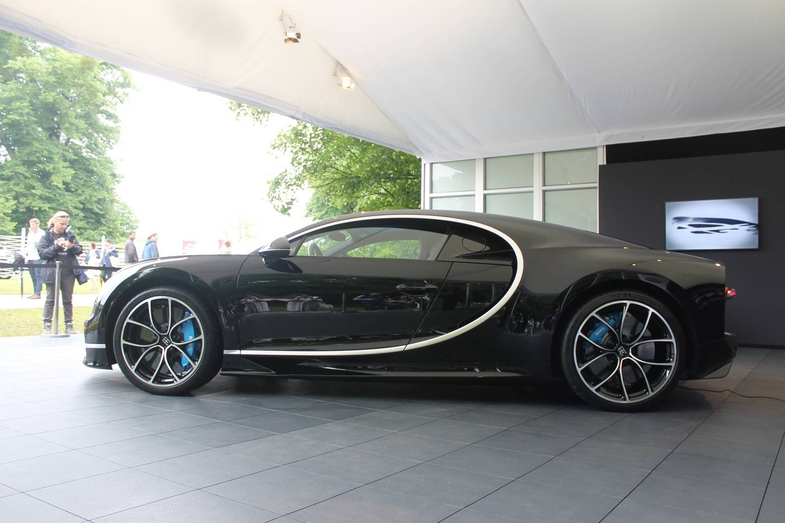 bugatti chiron black edition - photo #28