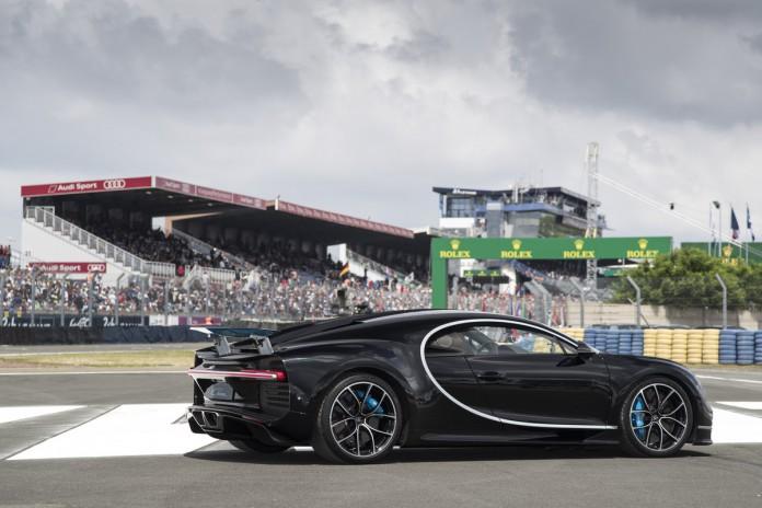 Bugatti Chiron Black (2)